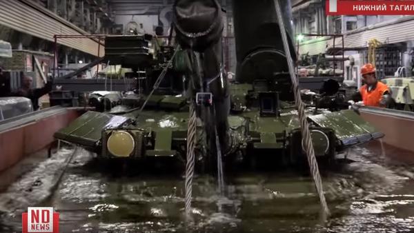 Potopení tanku T-90 - Sputnik Česká republika