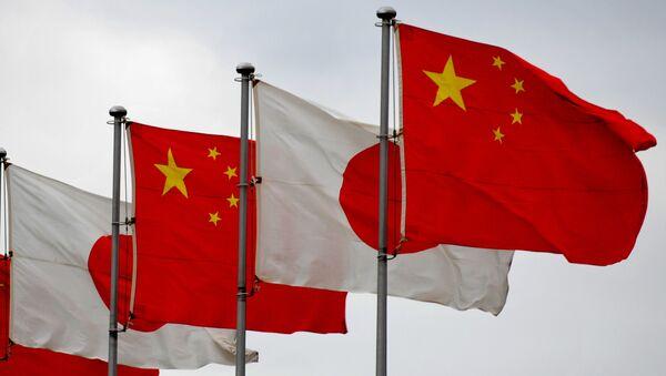 Čínské a japonské vlajky - Sputnik Česká republika