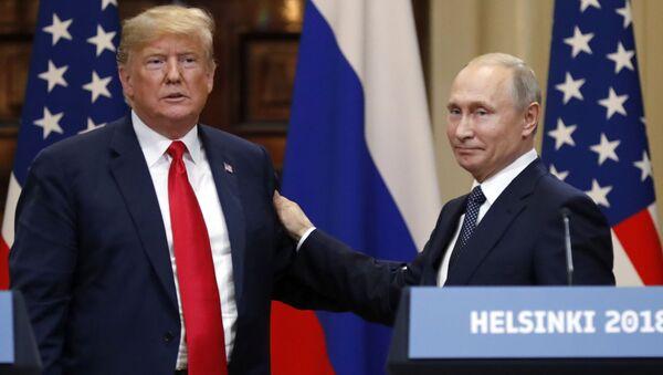 Donald Trump a Vladimir Putin - Sputnik Česká republika