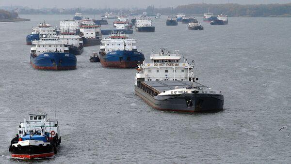 Lodě v Azovském moři u ústí Donu - Sputnik Česká republika
