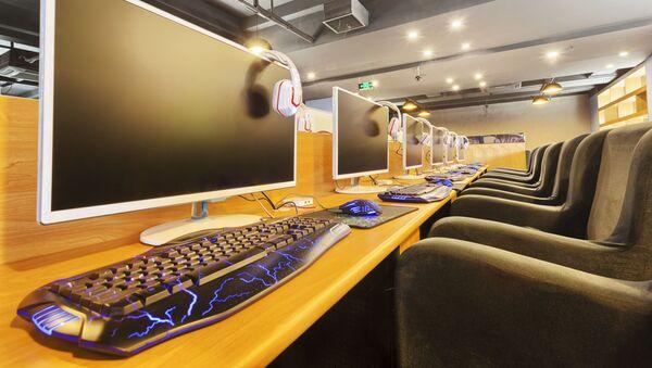 Počítačová kavárna. Ilustrační foto - Sputnik Česká republika