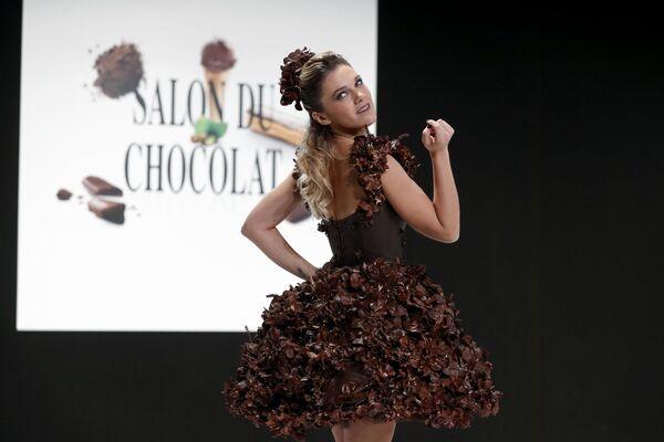 Všechno je v čokoládě. Módní přehlídka ve Francii - Sputnik Česká republika