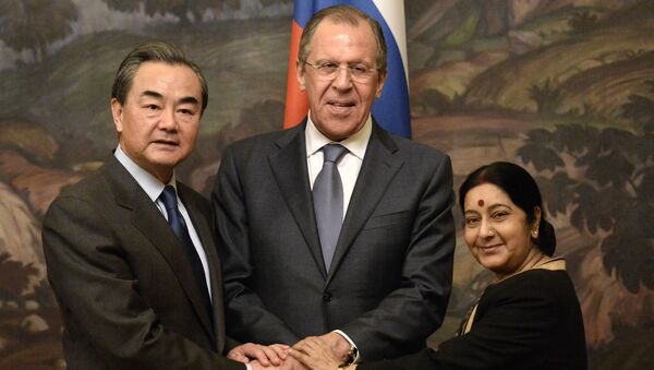 Ministři zahraničí Číny, Ruska a Indie - Sputnik Česká republika