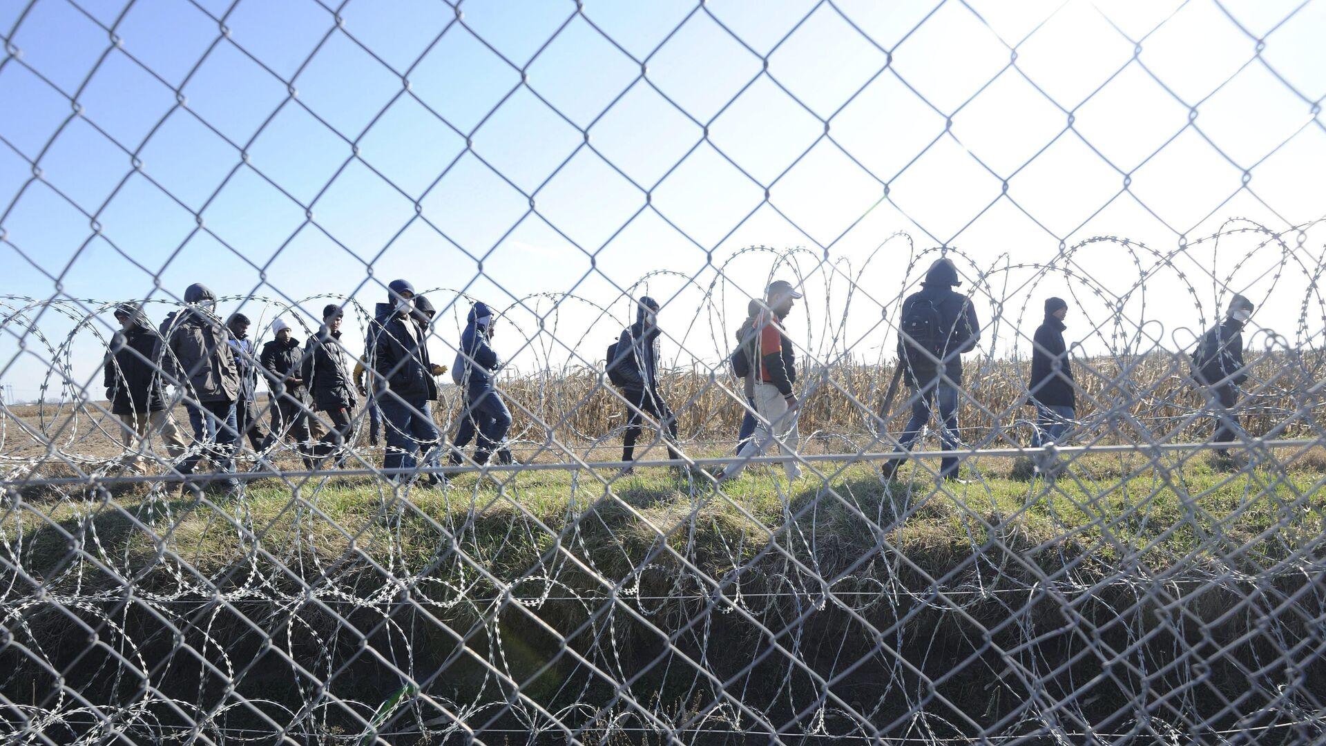 Migranti na hranici mezi Srbskem a Maďarskem - Sputnik Česká republika, 1920, 28.07.2021