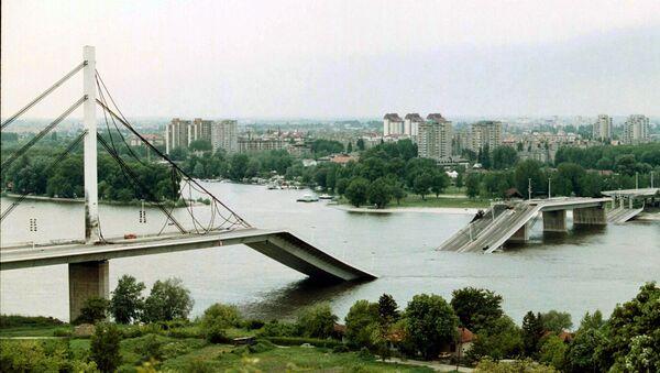Most v Novém Sadu zničený v důsledku bombardování NATO - Sputnik Česká republika