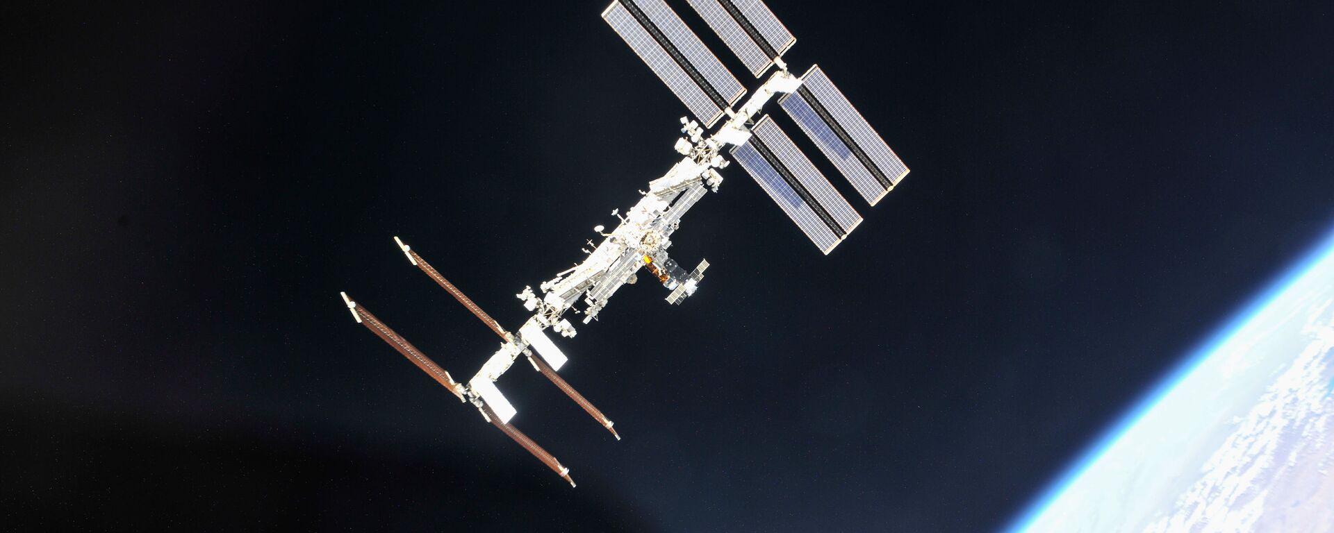 Mezinárodní vesmírná stanice z pohledu ruské lodi Sojuz - Sputnik Česká republika, 1920, 05.07.2021