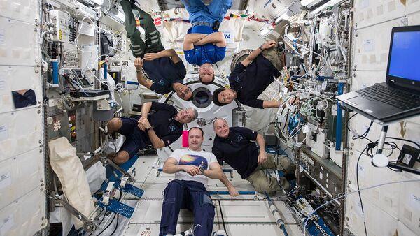 Uvnitř ISS - Sputnik Česká republika