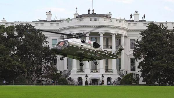 Vrtulník Sikorsky VH-92 Marine One určený pro pravidelné lety prezidenta Donalda Trumpa - Sputnik Česká republika