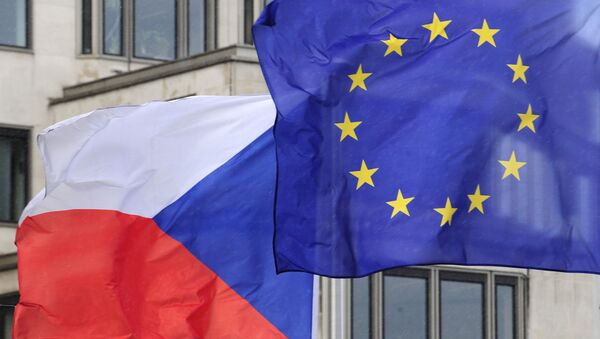Vlajky Česka a EU - Sputnik Česká republika