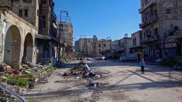 Chlapec v syrském Aleppu - Sputnik Česká republika