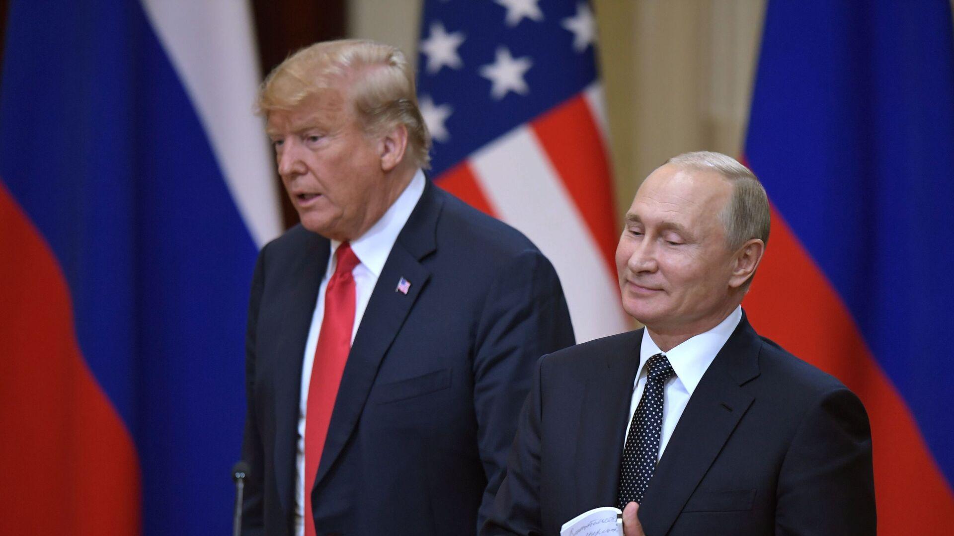 Americký prezident Donald Trump a ruský prezident Vladimir Putin - Sputnik Česká republika, 1920, 05.09.2021