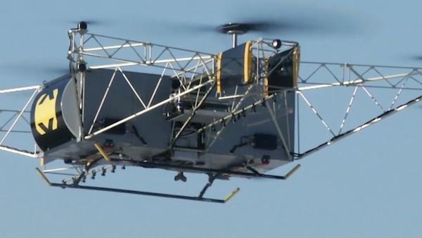 Mocný Skif. Bylo zveřejněno video prvního letu nákladního dronu v Rusku - Sputnik Česká republika