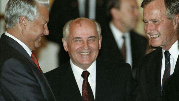 Boris Jelcin, Michail Gorbačov a George Bush - Sputnik Česká republika