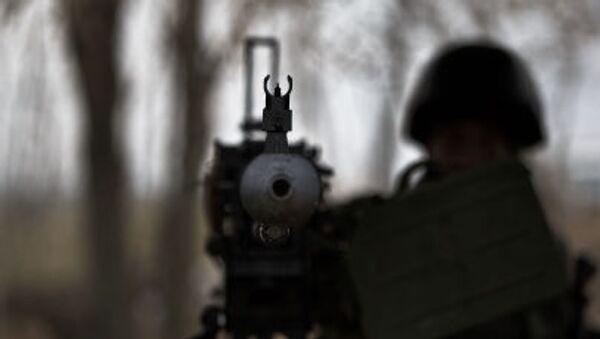 Voják nedaleko Charkova - Sputnik Česká republika