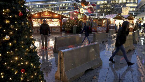 Zátarasy proti teroristům na vánočním trhu v Berlíně. Archivní foto - Sputnik Česká republika