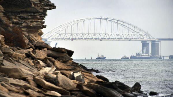 Lodě pod Krymským mostem - Sputnik Česká republika