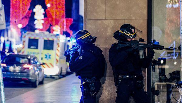 Policisté ve Štrasburku - Sputnik Česká republika