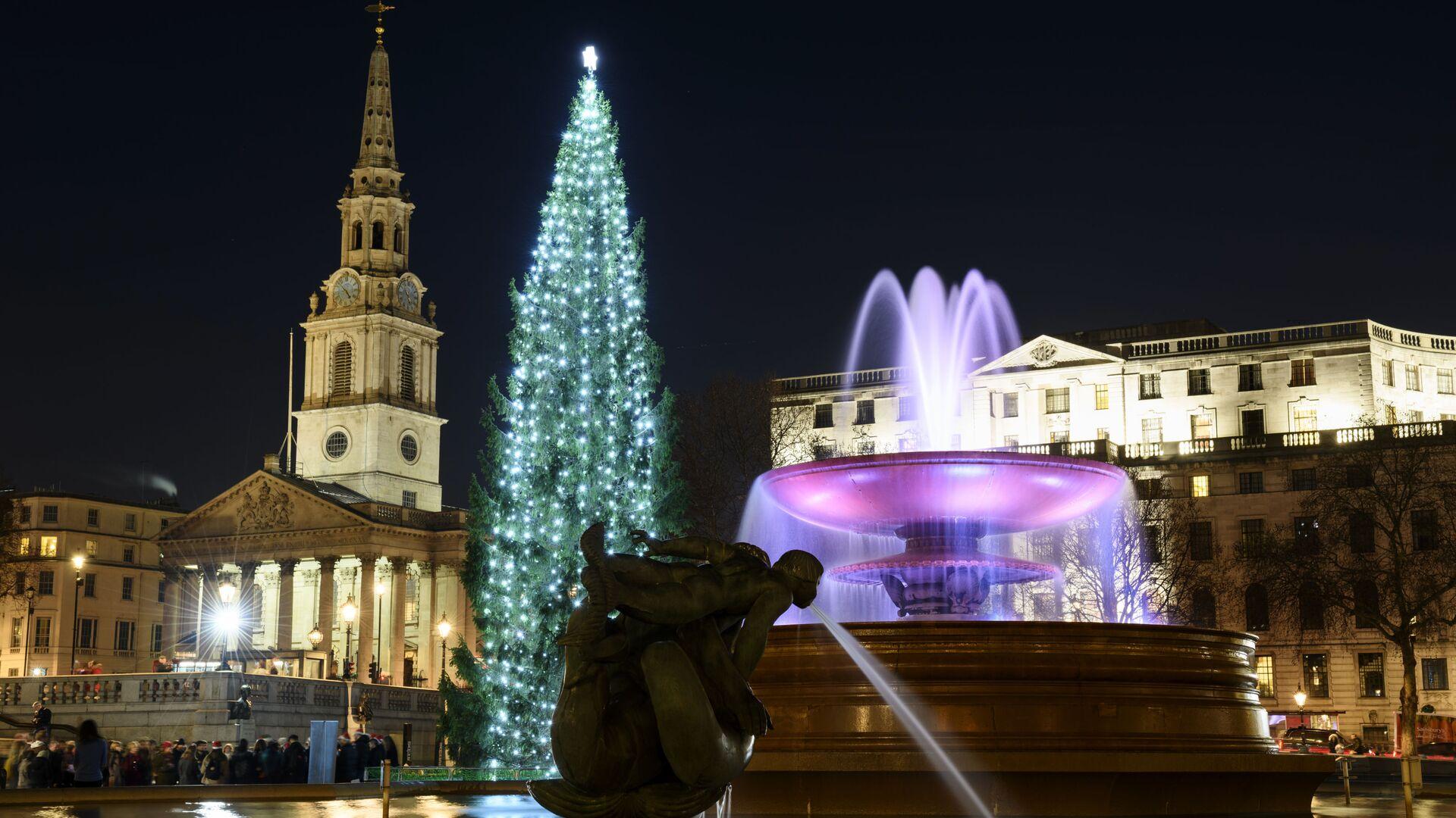 Vánoční strom na Trafalgarském náměstí v Londýně - Sputnik Česká republika, 1920, 20.09.2021