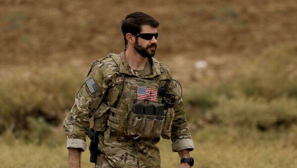 Americký voják v Sýrii - Sputnik Česká republika