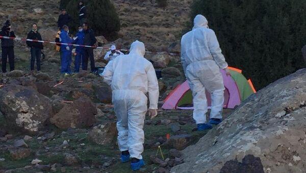 Zkoumání oblasti, kde byla nalezena těla zavražděných žen - Sputnik Česká republika