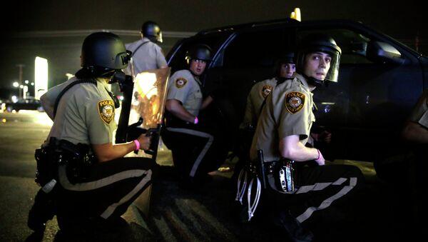 Policie ve Fergusonu - Sputnik Česká republika