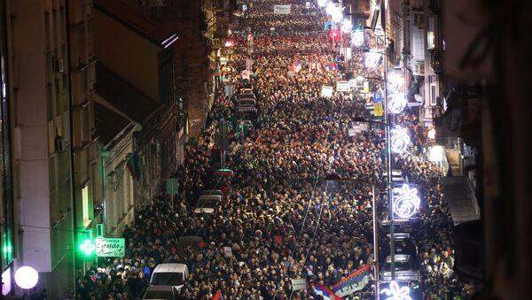 Protestní akci v Bělehradě proti prezidentu Aleksandru Vučićovi a vládnoucí straně - Sputnik Česká republika