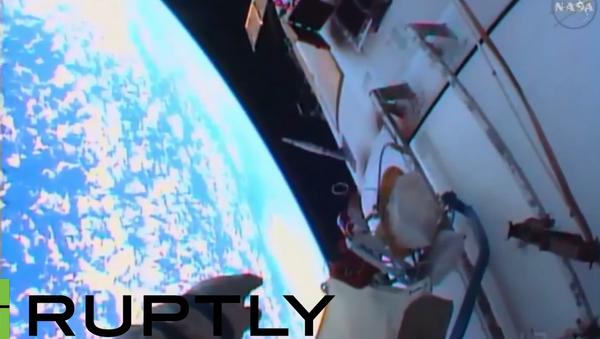 Co všechno dělají kosmonauti v otevřeném kosmu - Sputnik Česká republika