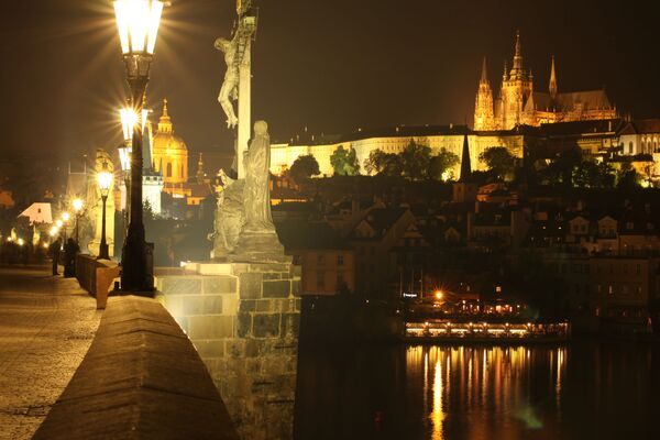 Podívejte se na okouzlující noční fotografie těch nejbezpečnějších měst světa - Sputnik Česká republika
