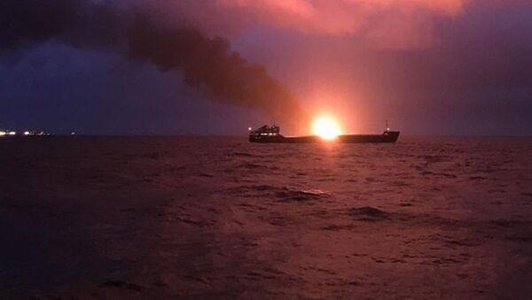 Požár v Kerčském průlivu - Sputnik Česká republika