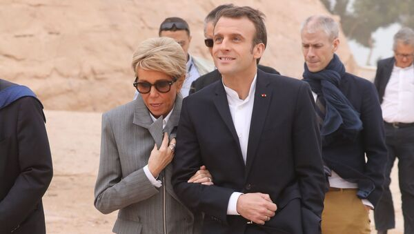 Emmanuel Macron a jeho manželka Brigitte - Sputnik Česká republika