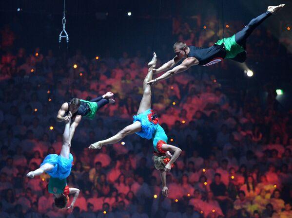 Umělci vystupují na slavnostním ukončení  XVI. Mistrovství světa ve vodních sportech v Kazani - Sputnik Česká republika