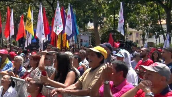 Podívejte se, jak se tisíce Venezuelanů shromáždily k podepsání petice proti americké intervenci - Sputnik Česká republika