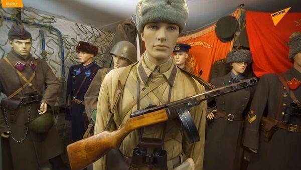 Bitva u Stalingradu ve sklepě obytného domu. Jedinečná sbírka obyvatele Volgogradu - Sputnik Česká republika