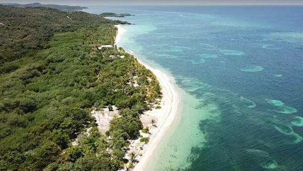 Česká vesnice v ráji? Přestěhujte se na ostrov Roatán v Karibiku! - Sputnik Česká republika