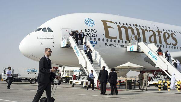Dopravní letoun Airbus A380-800 v Dubaji - Sputnik Česká republika