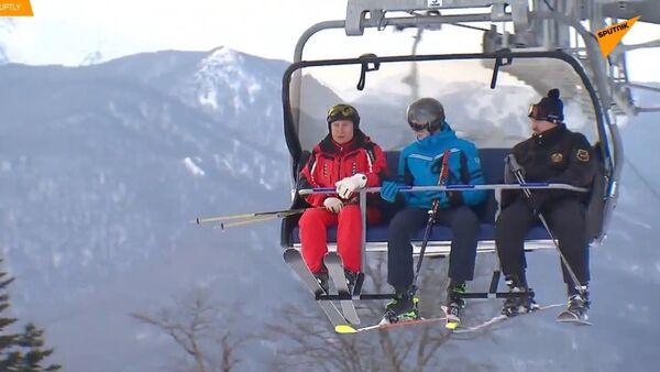 Putin a Lukašenko v Soči předvádějí své lyžařské dovednosti 1 - Sputnik Česká republika