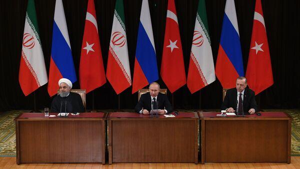 Hasan Rúhání, Vladimir Putin, Recep Tayyip Erdogan. Soči, Rusko 14.02.2019 - Sputnik Česká republika