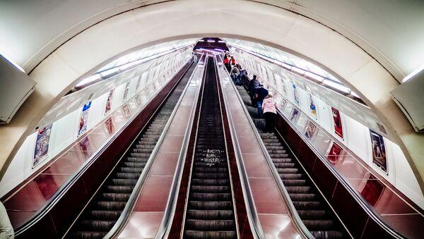 Pohyblivé schodiště v pražském metru - Sputnik Česká republika