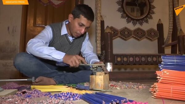 Pákistánec předělal svůj pokoj na opravdové muzeum tužek - Sputnik Česká republika