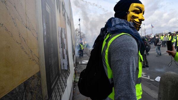 Protesty žlutých vest v Paříži - Sputnik Česká republika