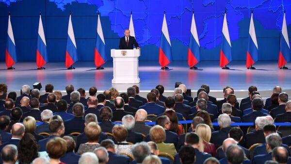 Ruský prezident Vladimir Putin vystupuje před Federálním shromážděním RF - Sputnik Česká republika