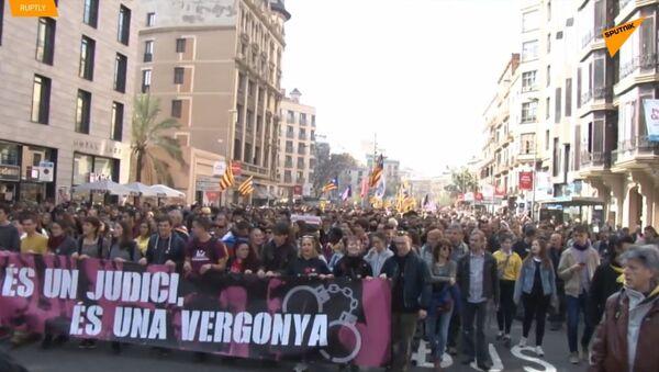 Katalánští studenti obsadili stanici metra během stávky ve Španělsku - Sputnik Česká republika
