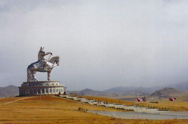 Jezdecká socha Čingischána v Mongolsku - Sputnik Česká republika