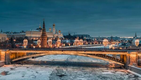 Hymna odcházející zimy a šílenství zamrzlého města. Takovou Moskvu jste ještě neviděli - Sputnik Česká republika