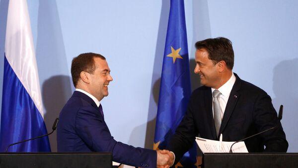 Ruský předseda vlády Dmitrij Medveděv s premiérem Lucemburska Xavierem Bettelem - Sputnik Česká republika
