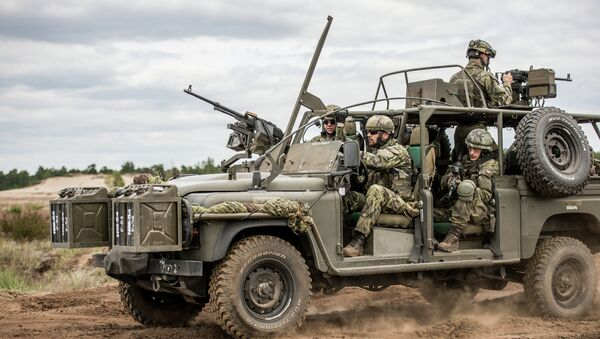 Vojáci NATO - Sputnik Česká republika