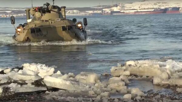 Viděli jste mařiňáky v akci? Koukněte se na jejich přípravu na soutěž Mořský výsadek Army 2019  - Sputnik Česká republika