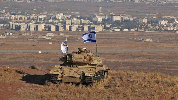 Izraelská vlajka na území Golanských výšin, které jsou pod kontrolou Izraele - Sputnik Česká republika