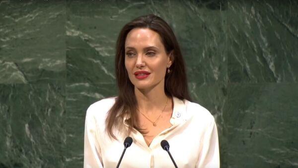 Angelina Jolie  - Sputnik Česká republika