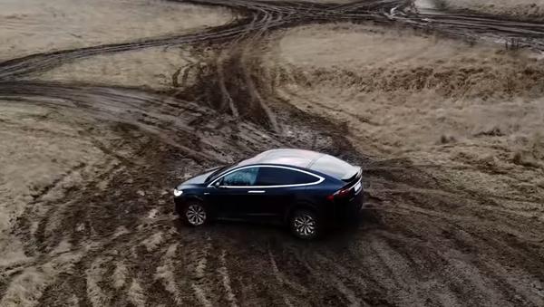 Tesla - Sputnik Česká republika